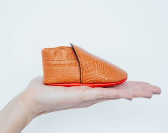 Leather slippers for babies 0-18 months