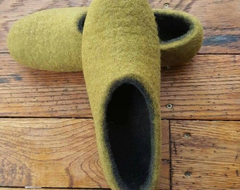 Felted natural wool slippers,  felted shoes, house shoes, wool slippers, eco slippers, felt slippers, clogs, felt shose