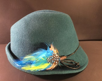 Scala Callezione Vintage Teal Green Felt Fedora Hat Cap with Blue and Yellow Feathers Hat Pin