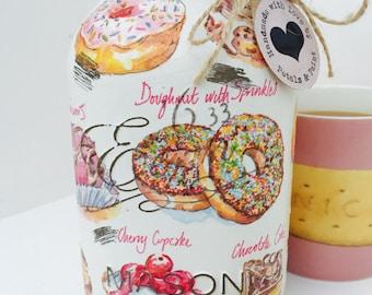 Handmade Mason Jar Scrumptious Cakes