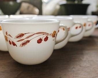 Pyrex Autumn Harvest Coffee Tea Cups / Vintage Pyrex Cups / Pyrex Coffee Cups / Autumn Leaves and Flowers / White Milk Glass Ovenproof Glass