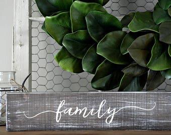 Family sign, Family wood sign, Family wooden signs, Rustic wall decor, Rustic home decor, Rustic signs, Farmhouse decor, Custom wood signs