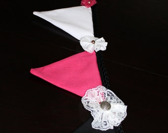 Garlands of pink/black and white flags with flowers in lace and eyelet. Women's banners. Deco mural.