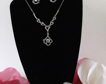 008/Vintage inspired crystal/rhinestone necklace and earing set/Zinc/Alloy/Wedding/Bridesmaid/Prom/Bridal/Dress Jewelry