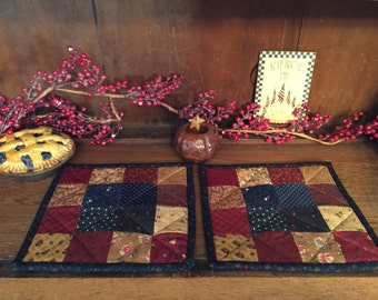 Pot Holders/Kitchen/Scrappy/Handmade/Quilted/ Hot Pad/Primitive/Patchwork Item #108