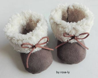 Fur boots taupe suede baby booties