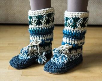 Women mukluk slippers with tie, long slipper boots, crochet mukluks with pom pom, slipper boots for women, boho slipper boots with tassel