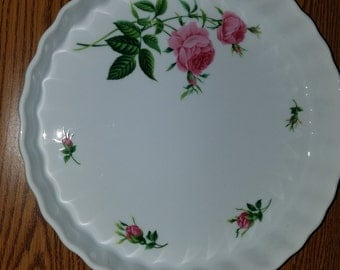Christineholms rose fluted quiche dish