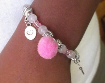 Beautiful bracelet with quartz-rose-shaped memoir.