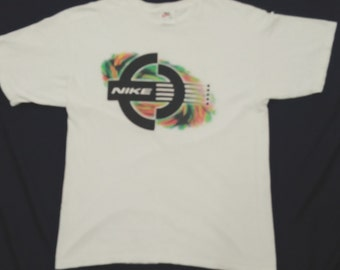 Vintage novelty white Nike shirt made in usa size m