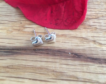 Small silver heart studs, heart studs, Silver heart earrings, heart earrings, Pure silver, stud earrings, silver studs, silver hearts