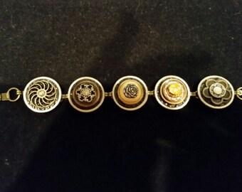 """Vintage Button Bracelet 7"""""""