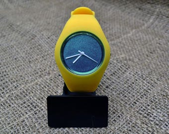 Customised yellow silicone watches