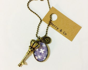 Queen Bee Charm with Glass Pendant and Chain