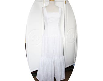 Long dress in romantic English embroidery, a steering wheel, white long dress long dress, dress long Bohemian