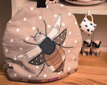Buzzy Bee Tea Cosy