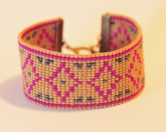 Woven in glass beads bracelet