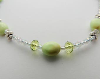 Necklace - Lemon Chrysoprase Magnesite/ silver flower/transparent beads//Gift for her//Women//Jewellery//Necklace//Gems//Flower/Silverplated