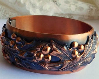 Vintage WHITING and  DAVIS Embossed Holly & Berries Copper Cuff Clamper Bracelet