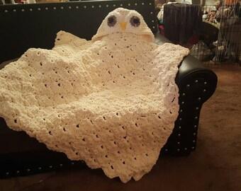 Snowy Owl Hooded Blanket