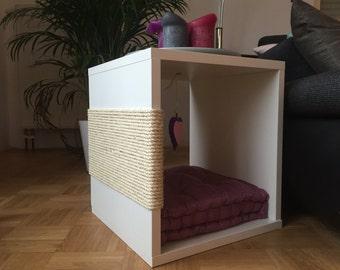 Design scratching post / cat furniture / side table / white Matt