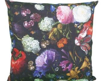 Pillow square flower bouquet