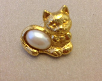 Vintage Pearl Kitty Pin