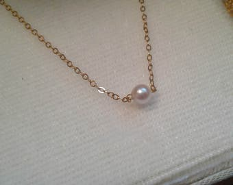 Vintage pearl with gold chain necklace with original box