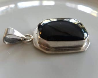 Vintage Large Mexican Sterling Silver Black Onyx Pendant TC-319