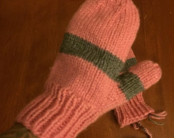 Pink&gray knitted mittens