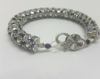 Elegant beaded bracelet