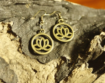 Lotus of Flower Earrings - Yoga - Indian - hippie - Lotus Flower