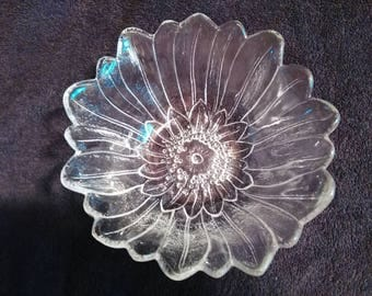 Vintage Indiana Glass Company - Lily Pons Bowl - Clear