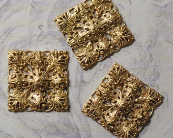 Vintage French Filigree Square Dapped Bracelet Link Gold Toned Thick Raw Brass Die Casting 1 Piece 355J