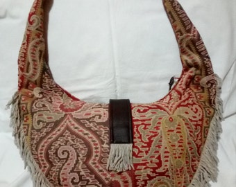 Country fashion handbag with fringes