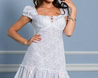 Cotton nightgown. White nightdress.