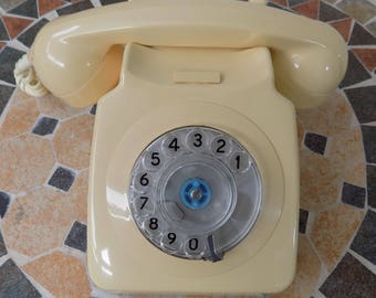 Retro 70s Working Dial Telephone  | Vintage Cream Rotary Telephone