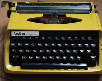 Typewriter Brother Deluxe 800, Vintage typewriter Brother, Old typewriter Brother, typewriter, 1980's