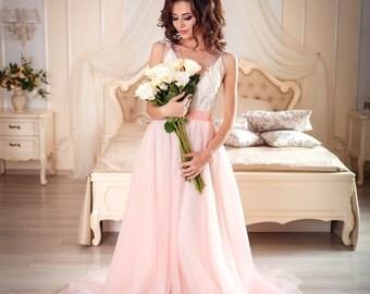 Light pink wedding dress, rose quartz tulle, off white lace, non-corset, european wedding