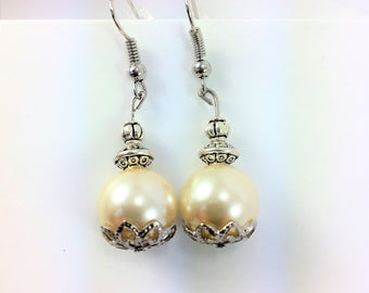 White and silver elegant earrings #111