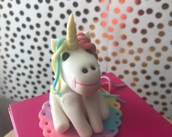 Unicorn fondant cake topper