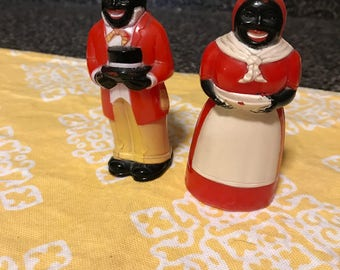 Vintage Plastic Uncle Moses and Aunt Jemima Salt and Pepper Shakers