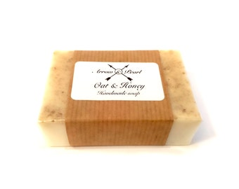 Oat & Honey Scented Handmade Goats Milk Soap Bar