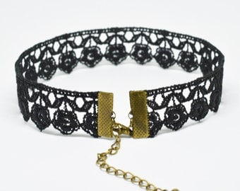 Grace Lace Choker