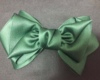 Green pretty Ribbon / hair bow