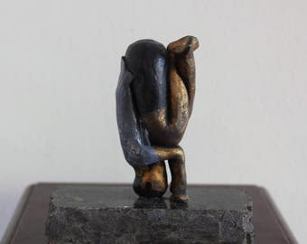 Mukta Hasta Sirsasana Yoga Sculpture