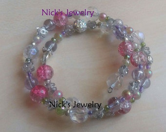 Charming bracelet in fine pastel colours