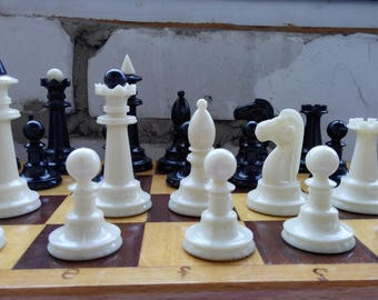 Vintage Plastic chess USSR / / Soviet chess in the classical style / / The most common chess USSR