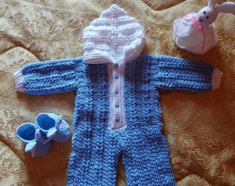Handmade Gift for NEWBORN ONESIE – – new mothers – high quality Made in Italy, hook.