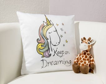 "Pillow Unicorn ""keep on dreaming"""